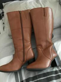 Ladies Tan Knee High Boots Size 4