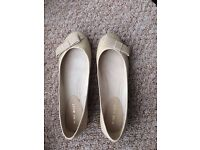 Nine West beige leather shoes, size 38