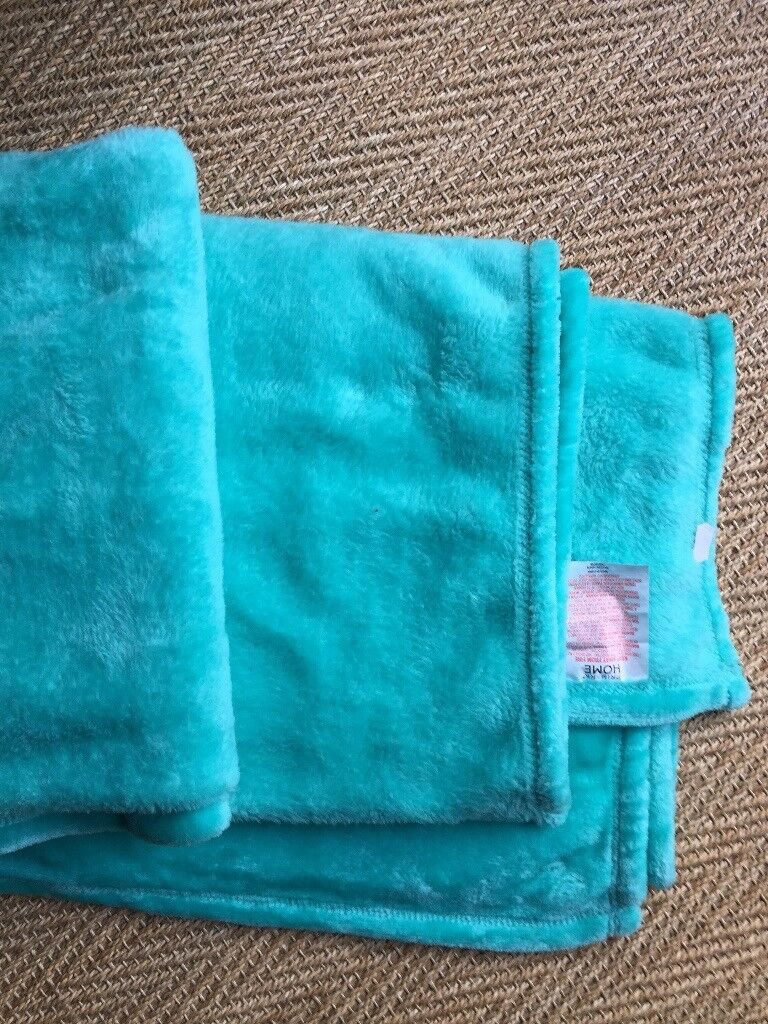 SUPERSOFT BLANKET OR THROW