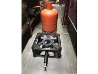 Catering burner and gas cylinder