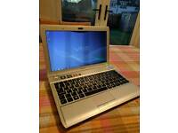 Sony Vaio YB3V1E/S 4gb RAM 500gb HDD complete with charger - Windows 7 Premium