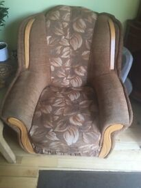 Sofa bed and 2 armchairs in good condition