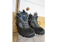 Walking boots size 6.5 euro 40 - Berghaus- good condition