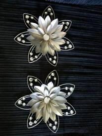 2 metal flowers wall art
