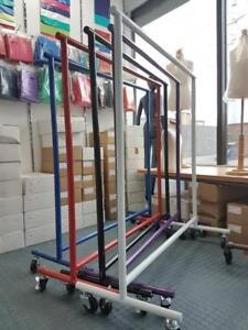 Rolling racks! Racks Roulant  Présentoirs de plancher, Salesmen Racks on wheels, Commercial grade, Boutique accessories