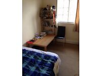 A double room inc bills , moments from Hendon Central. Golders Green and middlesex uni close by