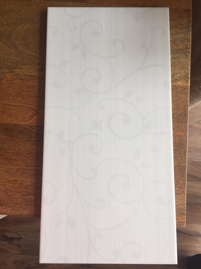 Kitchen Tiles Gumtree 16 tiles - white floral patterned ceramic tiles, ideal for