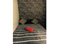 __Amazing single in Mile End!