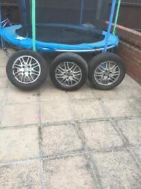 Focus wheels
