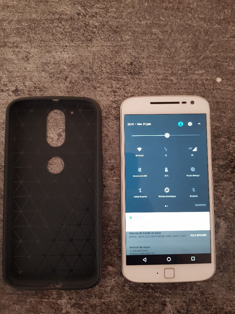 """Smartphone Android 7 Moto G4 Plus DUAL SIM Unlocled and network WARRANTYin Brighton, East SussexGumtree - Im selling my Motorola Lenovo Moto G4 Plus WITHE. XT1642 Version 16 Gb I bought it in feb 2017 on Amazon. So warranty until 3rd Feb. 2018 It works very well. Running Android 7 Nougat 5.5"""" Full HD Its dual Sim so you can use it on any 2 network at..."""