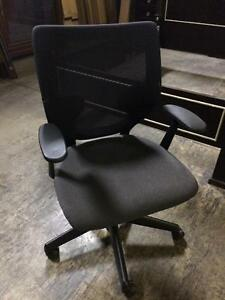 CHAISES DE BUREAU - DESK CHAIRS