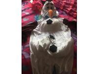 Olaf dress up