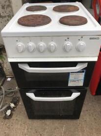 Very nice white beko oven cooker