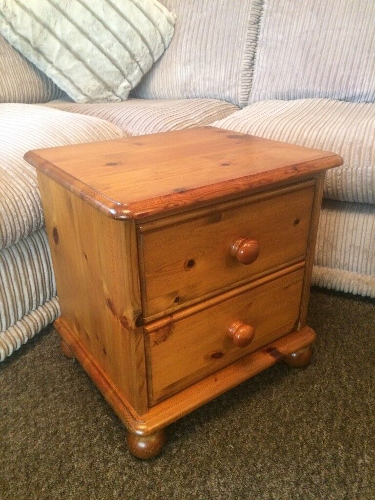 SOLID PINE GORGEOUS BEDSIDE CABINET, DOVETAIL JOINTS AND BUN FEET ...