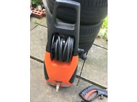 URGENT !!!!!! BLACK AND DECKER PRESSURE WASHER FULLY WORKING