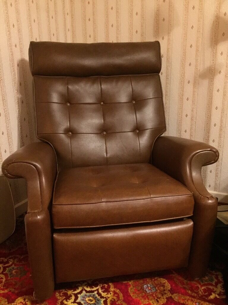 Parker Knoll reclining chairin Polmont, FalkirkGumtree - PArker Knoll reclining chair in brown vinyl. A few stitches have come apart on the under side of the cushion, but otherwise working fine
