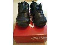 Capezio Spia Dansneaker, Ladies/Girls Dance Shoe. Black Size 2