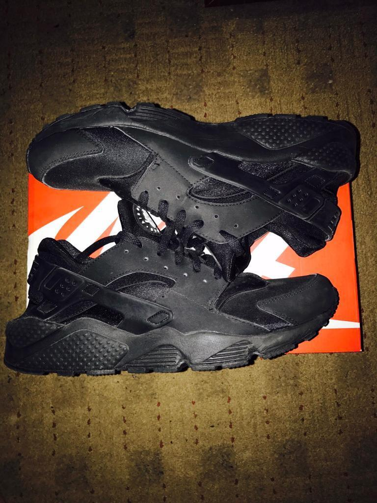 f57196236e5f8 Nike Triple Black Huaraches Size UK 12 (fits UK11)