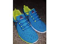 Blue ladies or men's size 5/6 trainers