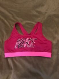 NIKE SPORT BRAS NEW ONE WITHOUT TAGS