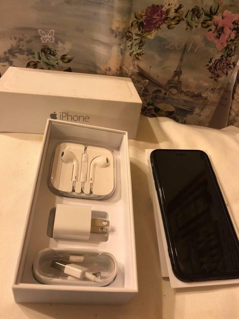 Iphone 6 unlocked 64gb in box space grey with case and screen protector £260