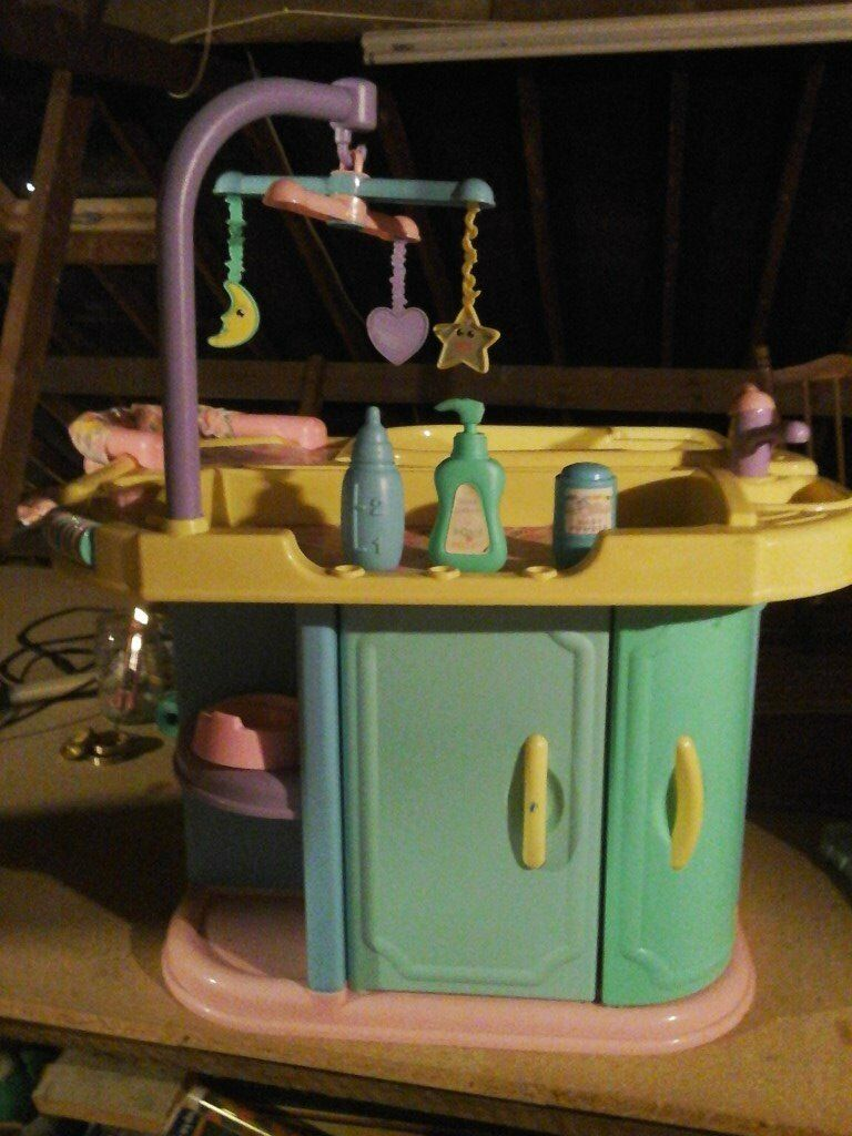 BABY DOLLS CHANGING TABLE