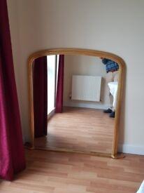 Lovely gilt-framed mantelpiece mirror