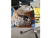 1/2 and 1/4 socket sets long 1/1 bar spanners car stands