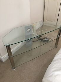 Glass TV stand for sale!! For only £5!!