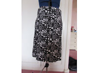 MK One black/white abstract print cotton skirt size 12