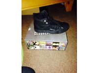Boys boots size 11