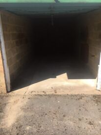 Single garage / storage unit available to rent in Barnwood