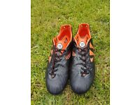Warrior Football Boots - Firm Ground - Size 9 uk - £15