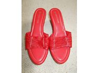 Brand new Roberto Vianni red sandals size 7