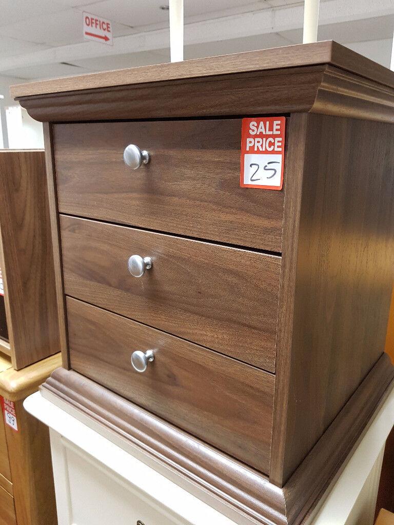 Canterbury 3 drawer bedside - Walnut