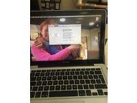 Mac book pro mid 2012 model excellent condition