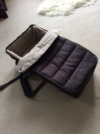 Maclaren carry cot to fit maclaren techno XLR stroller in excellent condition.
