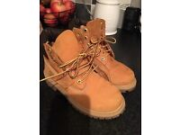 Boys Genuine Timberland Boots size 13.5 vgc!