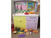 Play kitchen / desk with food