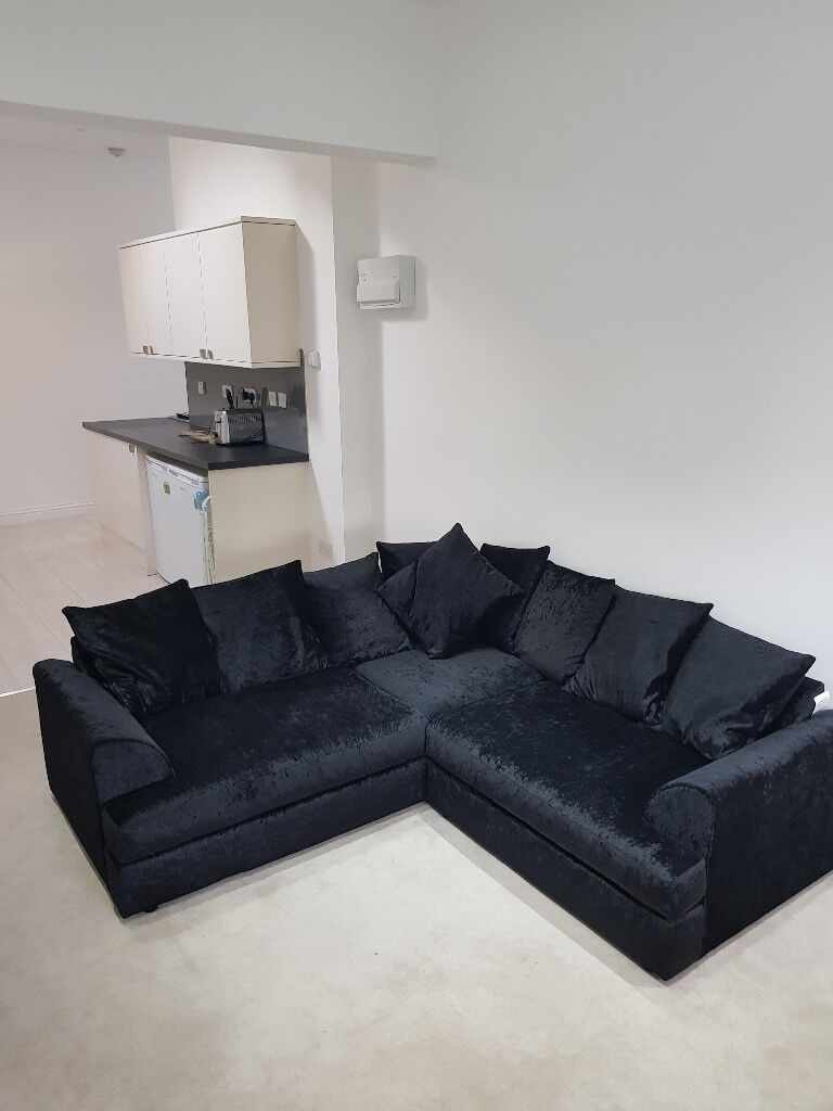 Black Crushed Velvet Corner Sofa 6 Months Old Mint Condition Smoke And Oet