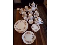 ROYAL ALBERT BONE CHINA. LAVENDER ROSE DINNER, TEA & COFFEE SET. 53 PIECES.