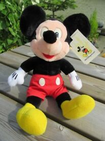 Disney bears - Goofy, Donald Duck and Mickey mouse