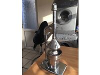 QUALITY CHROME HAND JUICER EXCELLENT CONDITION