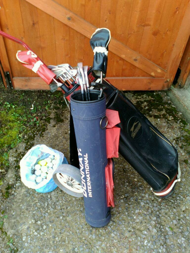 Golf bag,trolleyclubsin Rotherham, South YorkshireGumtree - Golf bag and trolley & 10 golf clubs8 irons numbers 235679ps1 driver1 putter1 donnay golf bag & 5 junior donnay golf clubs 3 irons numbers 5671 driver1 putter56 used golf balls and 13 tees