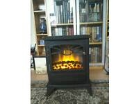 Free standing coal effect electric fire