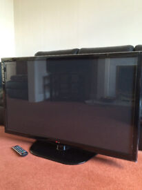 LG 42in HD PLASMA TELEVISION VERY GOOD CONDITION