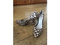 Leopard print size 3 1/2 shoes
