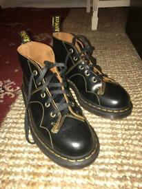 Dc martens church vintage
