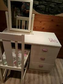 Dressing table chair and mirror