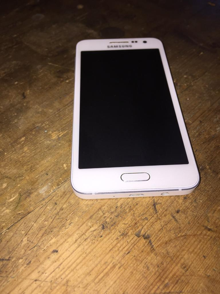 Samsung Galaxy A3 SM-A300FU - 16GB - Pearl White (Unlocked) Smartphone Boxed